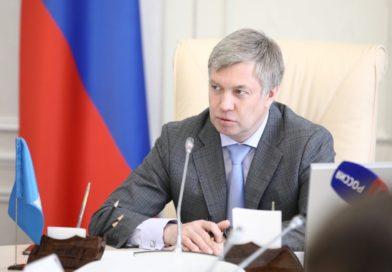 Алексей Русских поручил Правительству приступить к разработке программы, которая поможет закрепить выпускников учебных заведений в Ульяновской области.